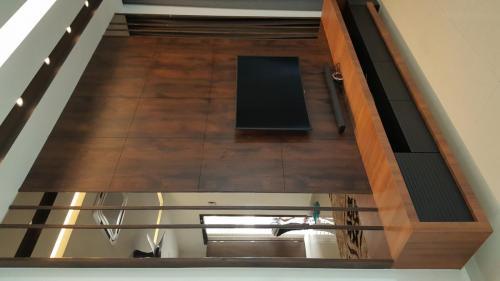 RT Furniture & Renovation - Tv Cabinet 006