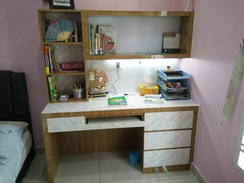 RT Furniture & Renovation - Study Table 022