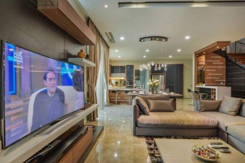 RT Furniture & Renovation - Tv Cabinet 030