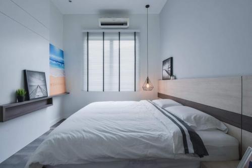 RT Furniture & Renovation - Bed Design 038
