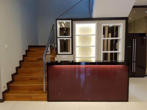 RT Furniture & Renovation - Staircase Cabinet 018