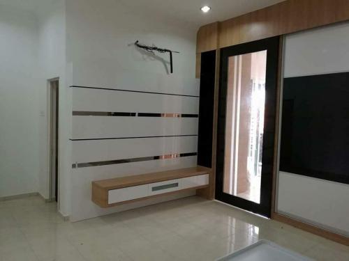 RT Furniture & Renovation - Tv Cabinet 026