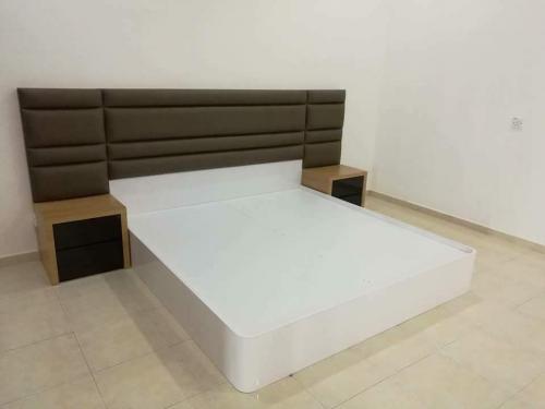 RT Furniture & Renovation - Bed Design 036