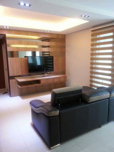 RT Furniture & Renovation - Tv Cabinet 020