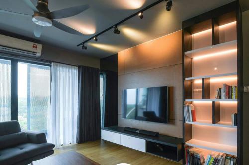 RT Furniture & Renovation - Tv Cabinet 019