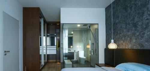 RT Furniture & Renovation - Bed Design 025