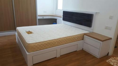 RT Furniture & Renovation - Bed Design 023