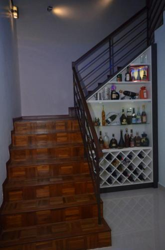RT Furniture & Renovation - Staircase Cabinet 013