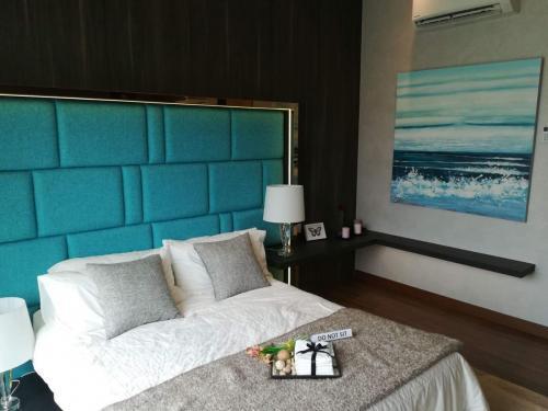 RT Furniture & Renovation - Bed Design 006