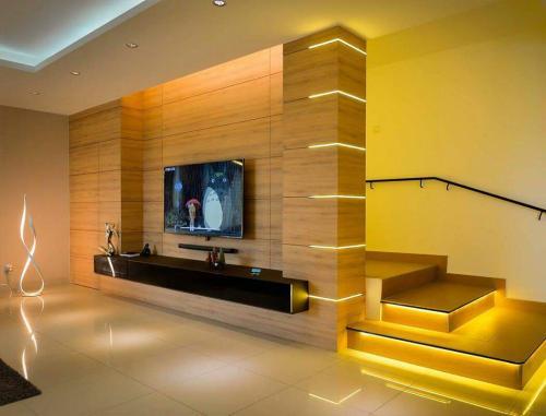 RT Furniture & Renovation - Tv Cabinet 002