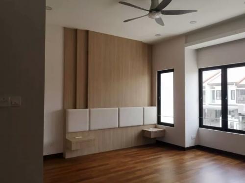 RT Furniture & Renovation - Bed Design 001