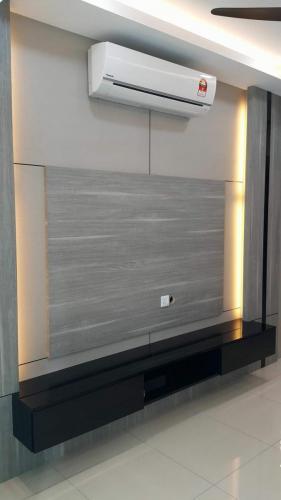 RT Furniture & Renovation - Tv Cabinet 010