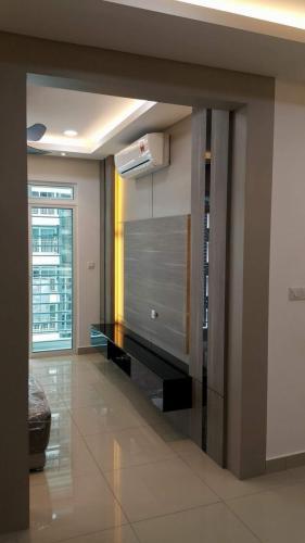 RT Furniture & Renovation - Tv Cabinet 009