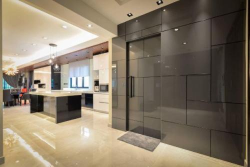 RT Furniture & Renovation - Kitchen Cabinet 020