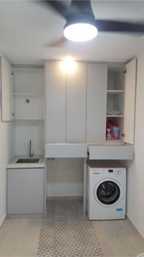 RT Furniture & Renovation - Kitchen Cabinet 007
