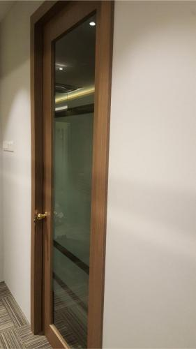 RT Furniture & Renovation - Office 037