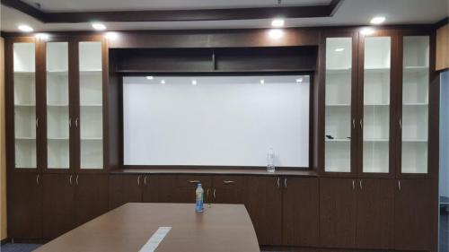 RT Furniture & Renovation - Office 014