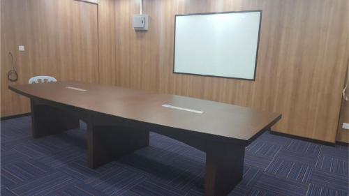 RT Furniture & Renovation - Office 013