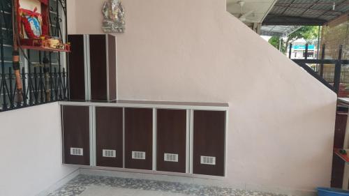 RT Furniture & Renovation - Shoe Rack 005