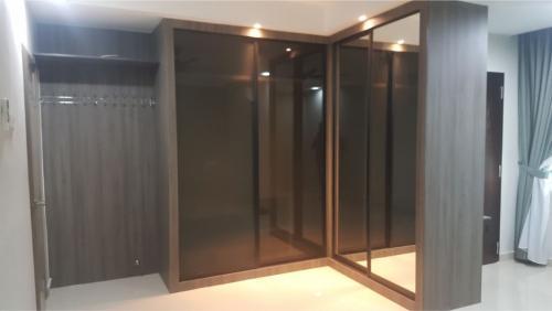 RT Furniture & Renovation - Wardrobe 034