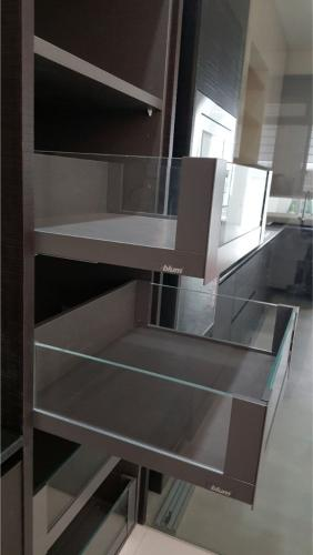 RT Furniture & Renovation - Wardrobe 004
