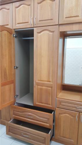 RT Furniture & Renovation - Wardrobe 003