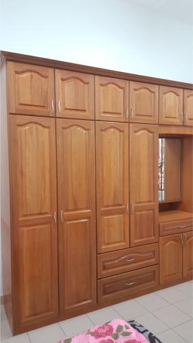 RT Furniture & Renovation - Wardrobe 002