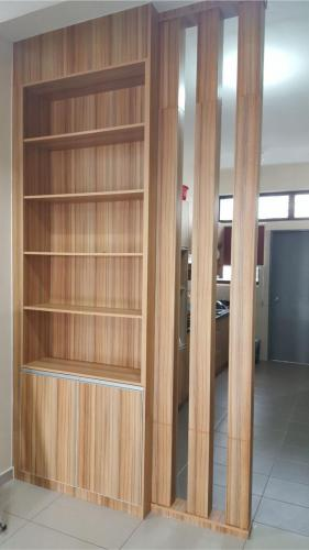 RT Furniture & Renovation - Wood Divider 009