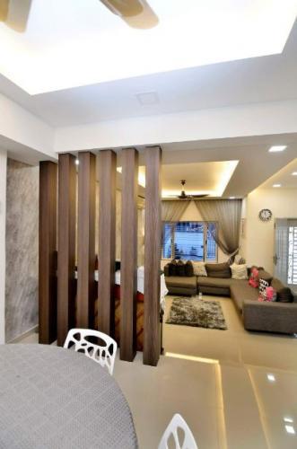 RT Furniture & Renovation - Wood Divider 028